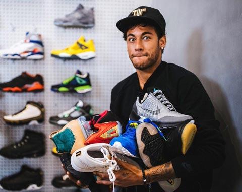 Nike hỗ trợ 200 triệu euro để đưa Neymar tới Real