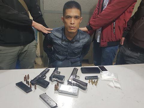 Bắt đối tượng buôn ma túy có 4 khẩu súng ngắn và 1 quả lựu đạn