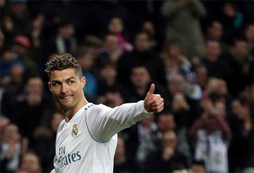 Ronaldo áp sát Messi trong cuộc đua Vua phá lưới La Liga
