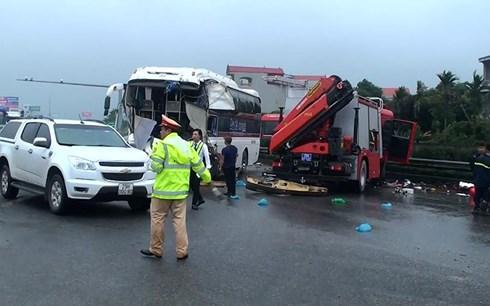 Xác định lỗi trong vụ xe cứu hỏa va chạm kinh hoàng xe khách ở cao tốc