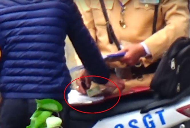 Cơ quan Cảnh sát điều tra vào cuộc vụ CSGT làm luật như ảo thuật