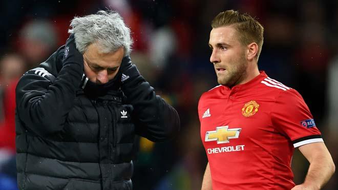 MU trước ngã ba đường: Giữ Mourinho hay quỵ lụy quyền lực SAO?
