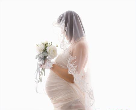 Con gái thông báo có bầu trước khi cưới, phản ứng của ông bố khiến nhiều người bất ngờ: Đẻ đi cháu tao tao nuôi, tao không xấu hổ với ai hết