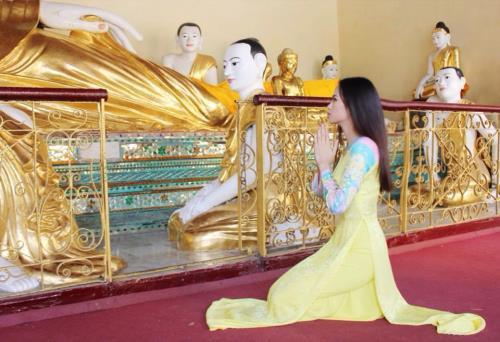 Những mỹ nhân showbiz Việt sau khi khuấy banh dư luận lại tìm về chốn nhà chùa thanh tịnh