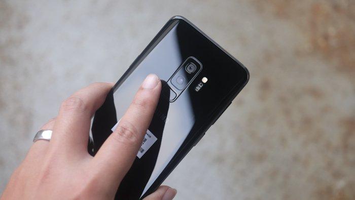 Hét giá ngàn đô, linh kiện Galaxy S9+ chỉ 8,6 triệu đồng