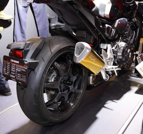 Honda CB1000R 2018 độ sợi carbon, đẹp lạ