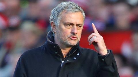 Căng thẳng leo thang ở M.U: Mourinho và Pogba từ mặt nhau