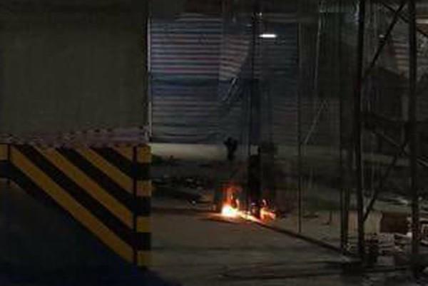Hà Nội: Người dân chung cư Victoria hốt hoảng phát hiện lửa dưới tầng hầm chứa đầy ô tô