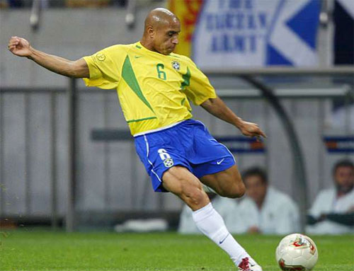 Roberto Carlos: Ronaldo, Messi còn đá, Neymar đừng mơ Quả Bóng Vàng
