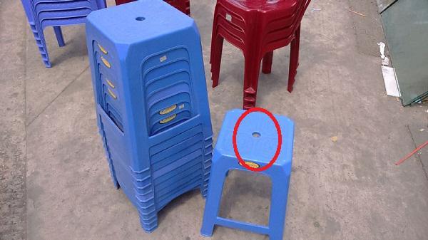 Lý do chiếc ghế nhựa luôn có một lỗ tròn ở giữa khiến ai nghe cũng gật gù: Quá hay! - 1