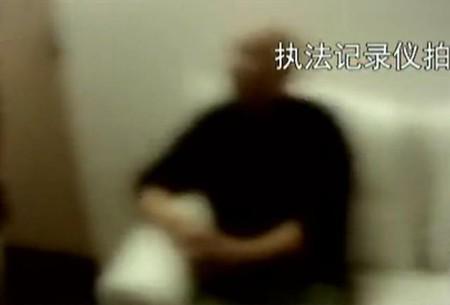 Những con thiêu thân lao vào vòng xoáy tình - tiền của showbiz: Người kiếm cả tỷ mỗi đêm, kẻ ra tù vào tội