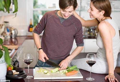 Nghiên cứu đã chỉ ra: Đàn ông càng làm nhiều việc nhà càng sống lâu