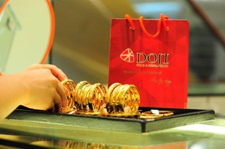 Giá vàng hôm nay 31/3: Cuối tháng, vàng giảm sâu