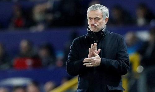 Mourinho được đồng nghiệp ca ngợi là Vua bóng đá