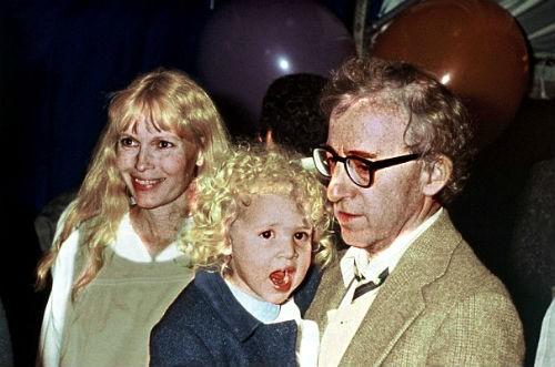 Loạt scandal khiến cả Hollywood nổi da gà: Bố cưới con gái, em hôn môi anh ruột đắm đuối
