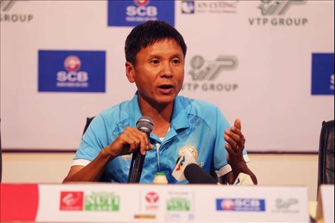 Trọng tài tiếp tục là chủ đề gây tranh cãi tại vòng 4 V-League