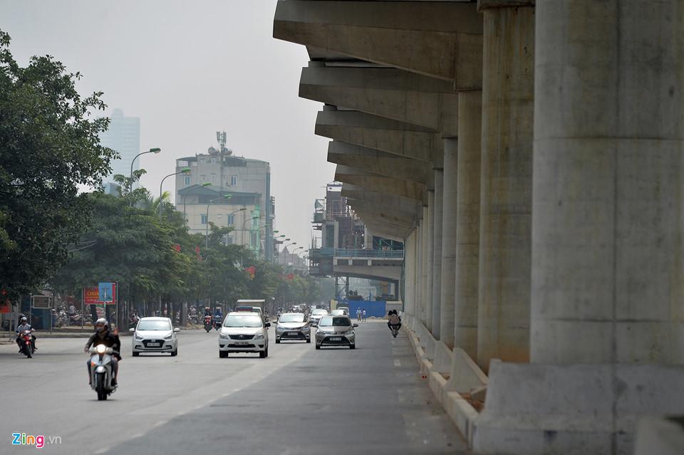 Cảnh quan mới lạ hai bên tuyến metro đầu tiên của Hà Nội