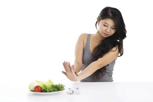 49 ngày nhịn ăn ngồi thiền như Đặng Lê Nguyên Vũ, cơ thể có chịu được?