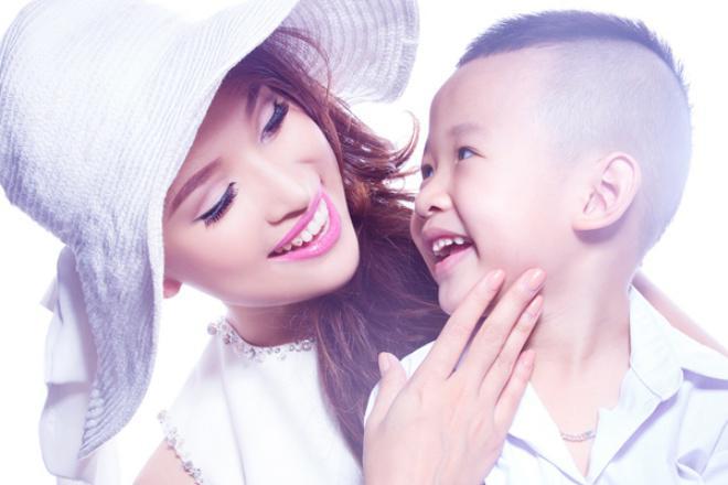 Rơi nước mắt trước nỗ lực giúp con thoát tự kỷ, mặc cảm bệnh tật của sao Việt