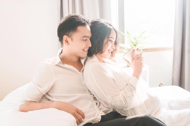 Ông xã Tú Vi chăm vợ đẻ, Hồ Ngọc Hà tấm tắc: Đúng là mẫu ông chồng rồi