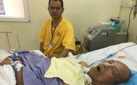 Con nhận cha tại... bệnh viện sau 37 năm thất lạc