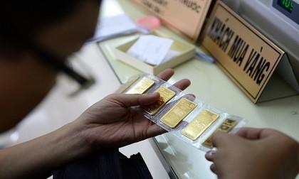 Giá vàng liên tục đảo chiều trước áp lực mới