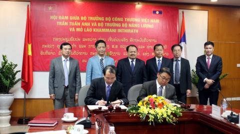 Xây đường dây siêu cao áp 500kV nhập khẩu điện từ Lào