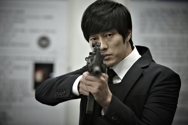 So Ji Sub: Người đàn ông hễ lên phim là vợ chết, người yêu chết, hoặc tự mình... chết!