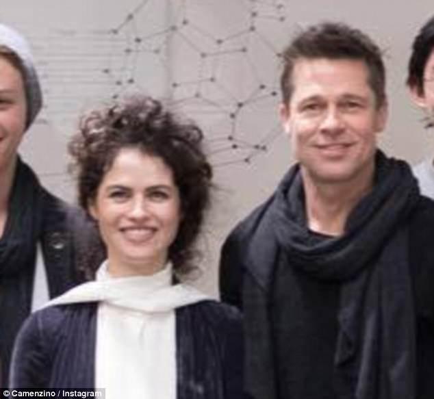 Brad Pitt có chìa khoá nhà của bạn gái mới, thường xuyên qua đêm với nữ giáo sư xinh đẹp
