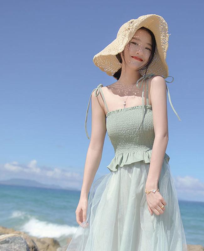 Độ hot của mũ cói đang tăng lên từng ngày nhờ Hà Hồ, Hà Tăng