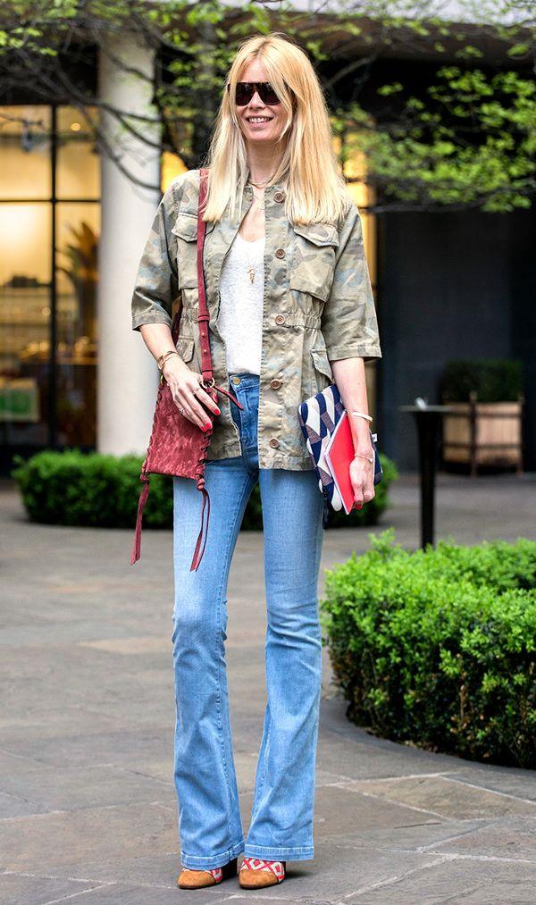Quần jeans ống loe đích thực là món đồ dành riêng cho phái đẹp mùa này