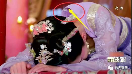 Sạn khó tin trong phim cổ trang: Hoàng đế đeo đồng hồ, xuất hiện cột điện cao thế
