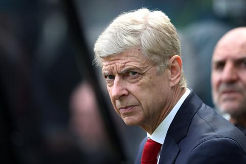HLV Wenger đề cử học trò Vieira thay mình ở Arsenal