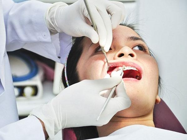 Cô gái Phú Thọ ngộ độc thuốc gây tê nhổ răng