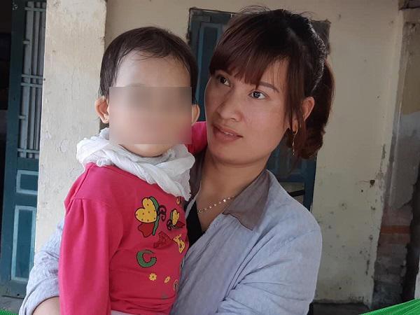 Hà Nội: Bé 14 tháng mắt tím đen, mặt sưng vù bất thường sau buổi học ở trường mầm non