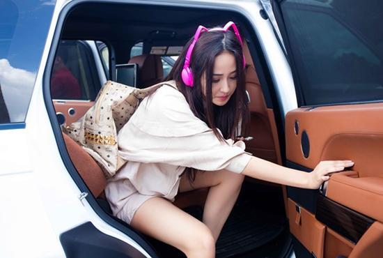30 tuổi, Hoa hậu Mai Phương Thuý giàu có cỡ nào trong showbiz Việt?