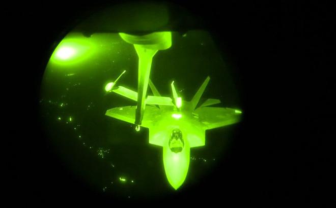 Hành tung bí ẩn của chiến cơ F-22 khi Mỹ không kích Syria