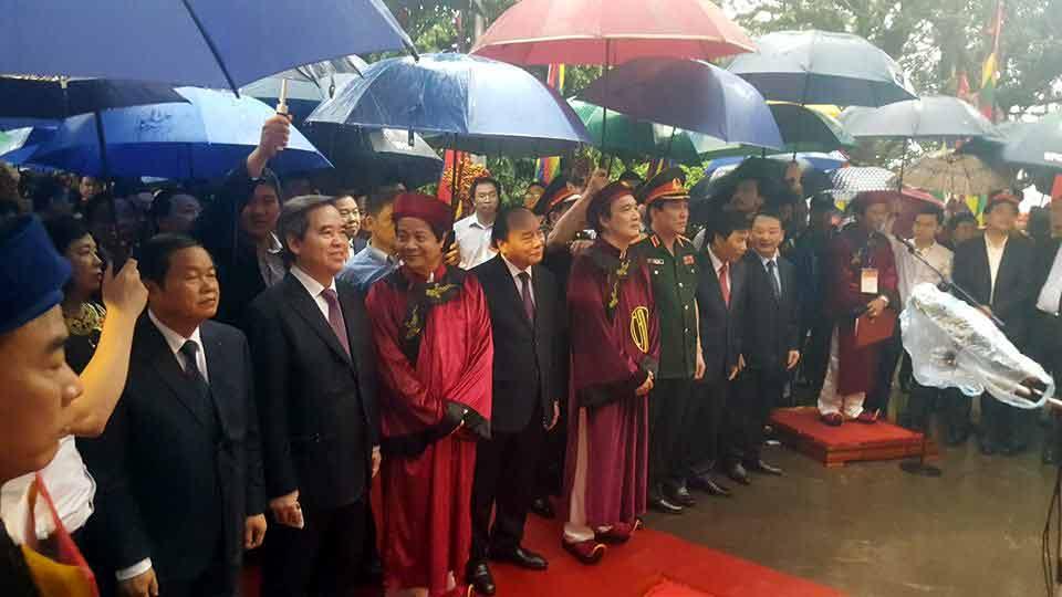 Thủ tướng dâng hương tưởng niệm các vua Hùng