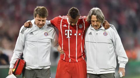 Bayern lo lắng với chấn thương của Boateng, Robben & Martinez