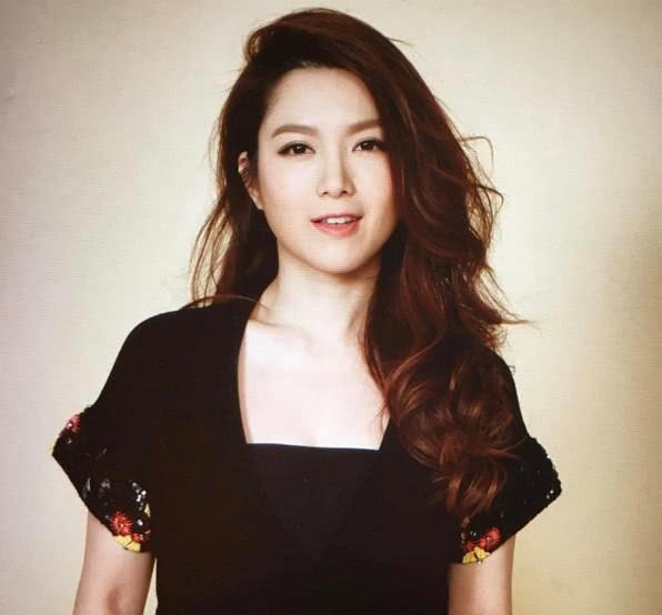 Chuyện đời Hoa hậu Trung Quốc 2 lần lộ ảnh nóng: Bị TVB hắt hủi vì quá béo, nay tìm được chân ái bên chồng đại gia