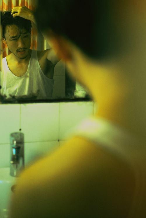 Chàng trai HongKong với bộ ảnh phim khiến ai xem xong cũng uống nhầm 1 ánh mắt, cơn say theo cả đời