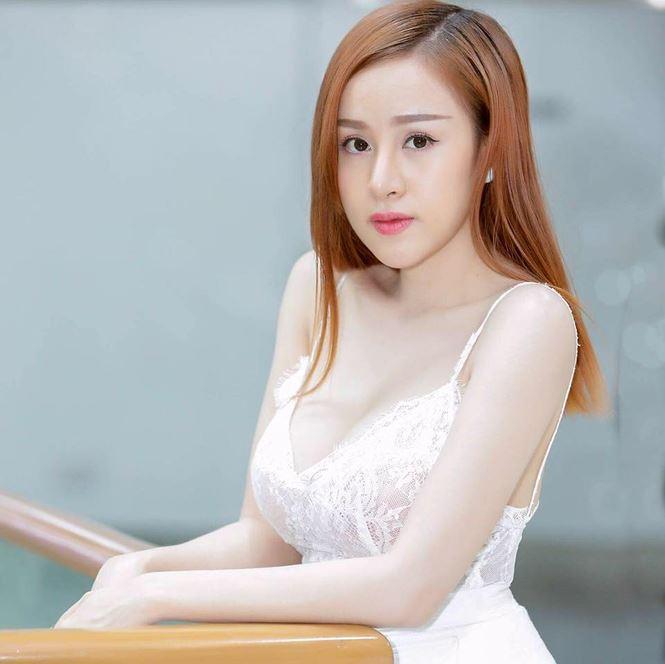 Bà Tưng tái xuất khoe vẻ đẹp sexy thách thức thời gian