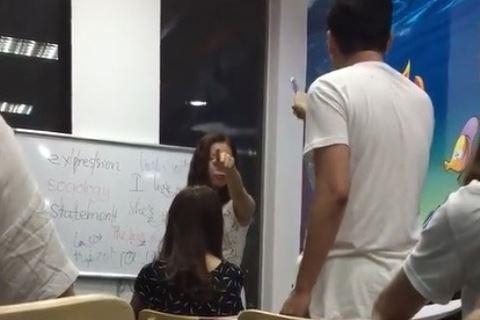 Trung tâm có giáo viên chửi học viên là con lợn chưa được cấp phép