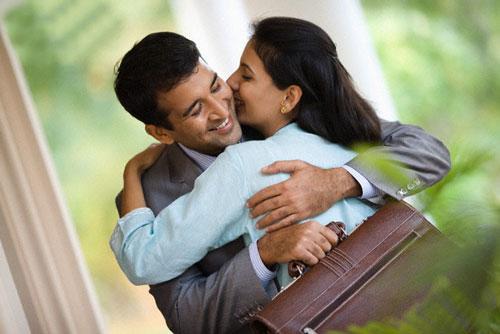 Đàn bà muốn giữ chồng đừng chỉ dùng tình yêu, hãy biết thêm 8 chiêu trò này