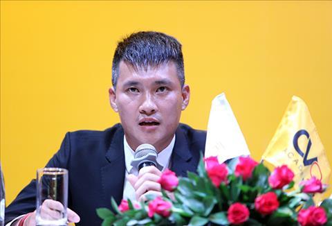 Công Vinh từ chức, CLB TP.HCM cạn tàu ráo máng