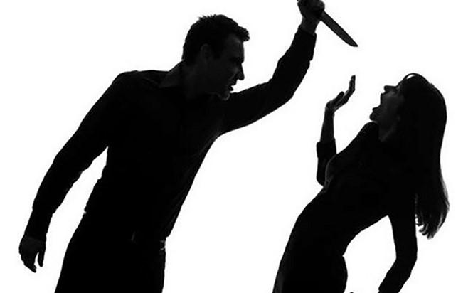 Khởi tố đối tượng giết vợ rồi dùng dao tự sát