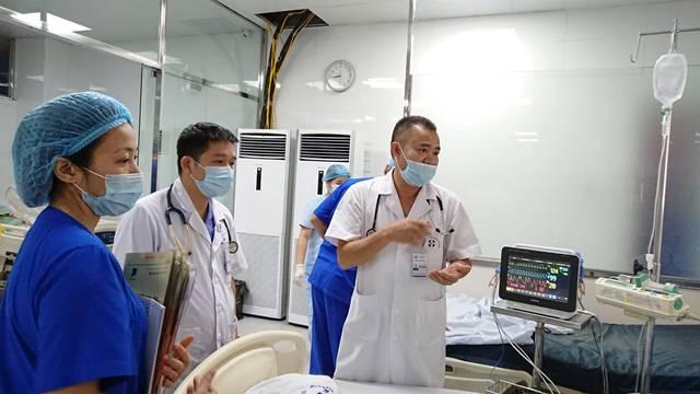 Hà Nội: Tiêm thuốc làm trắng da, một phụ nữ sốc phản vệ suýt chết