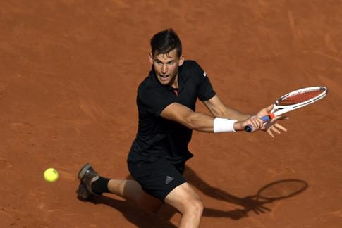 Nadal thua sốc tại Madrid và mất vị trí số 1 thế giới