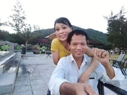 Em sống không tiếc một kiếp người: Đám cưới xúc động của cô dâu khuyết tật tay chân và chú rể phải nhờ bạn đi đón dâu hộ
