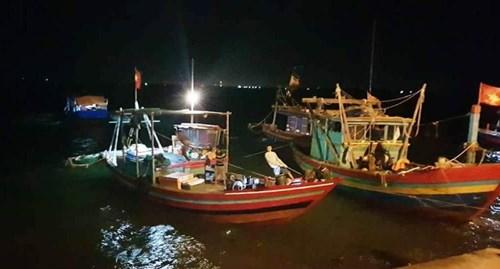 Kinh hãi, xác người đàn ông lõa thể mắc vào lưới ngư dân
